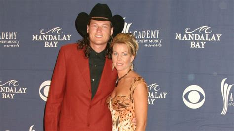 9 things to know about Blake Shelton's first marriage