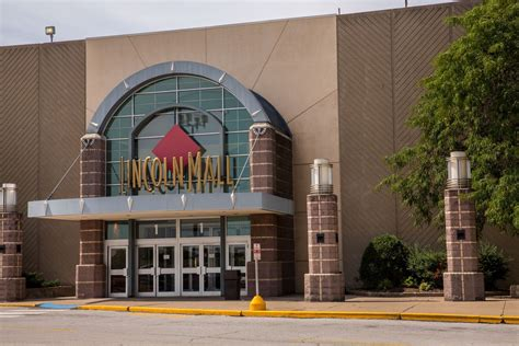 Lincoln Mall to close after holidays - Chicago Tribune