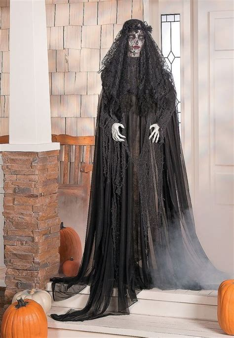 41 Witch-Themed Halloween Decorations To Create An