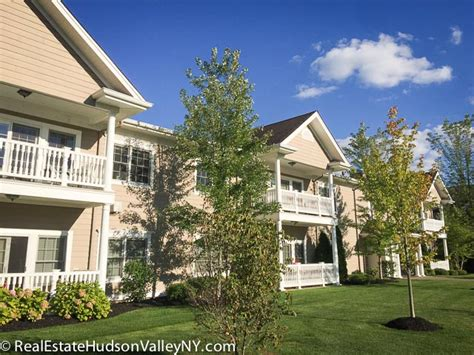 The Hollows at Blue Hill Condos for Sale in Pearl River NY