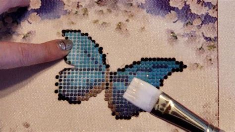 Sealing a diamond painting with Mod Podge Extreme Glitter