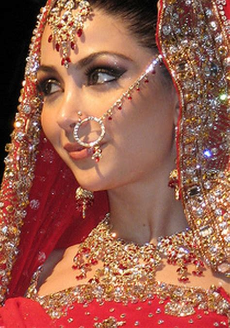 Welcome to Fashion Forum: Indian Bridal Nose Ring(Nath