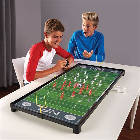 The Advanced Classic NFL Electric Football Game