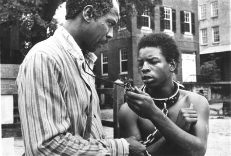 'Roots': Newsday's 1977 review of the original TV
