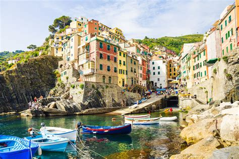 Cinque Terre Map and Free Travel Guide to the Five Villages